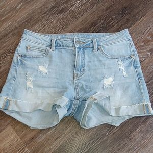 NWOT J.Lo Distressed Mid Rise Jean Shorts